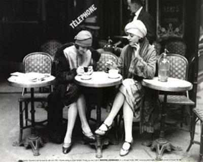MamaMarketing Mini-serie 'Netwerken IRL' vintage-women-at-cafe