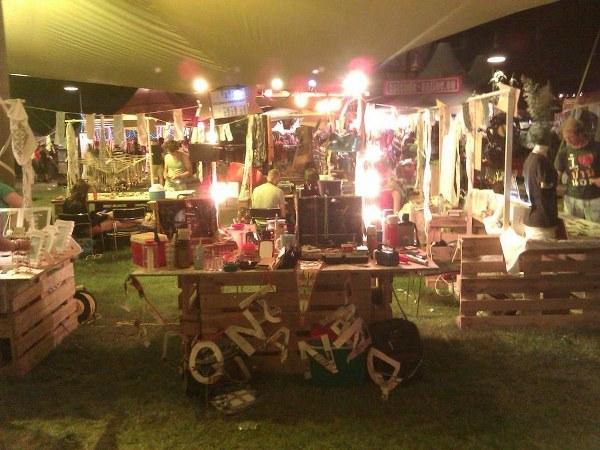 Lowlands Etsy bazaar, non-traditionele marktkraam._600x450